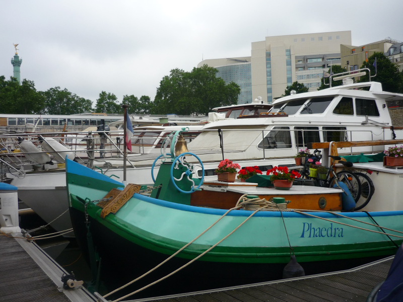 The Phaedra, Port de l'Arsenal
