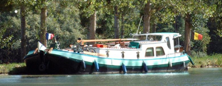 The Phaedra on the canal de Bourgogne