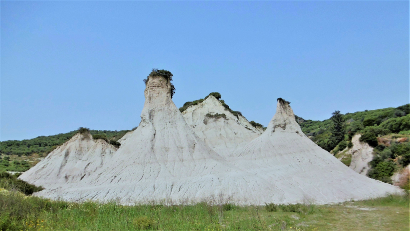 White Hills of Komolithi